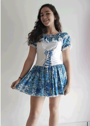 2129-Blue-fashion-Junino-Feminino-Adulto-Azul-Branco.jpeg-Fantasia-para-alugar-Castelo-Fantasias-Uberlandia-1.png