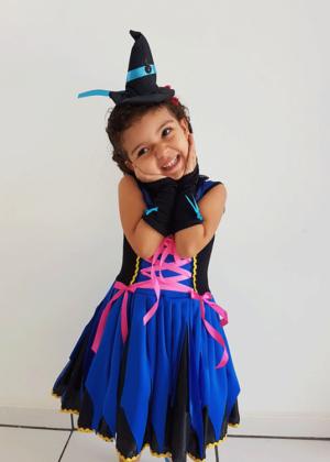 Bruxinha-Sophie-Halloween-Feminino-Infantil-Preto.jpeg.png